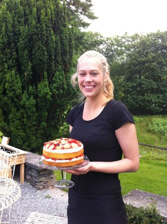 Cote How Organic Tea Room: Emily with our Strawberries and cream Wimbledon cake!