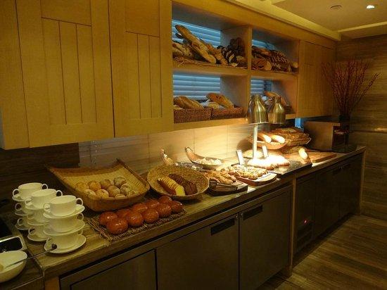 Hilton Beijing Wangfujing: Breakfast