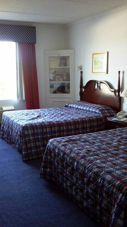 Heritage Inn and Golf Club: bed