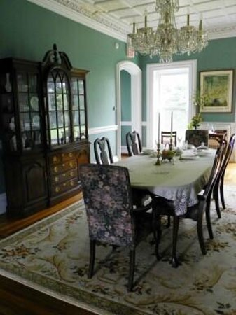Marble Mansion Inn : Formal Dining Room