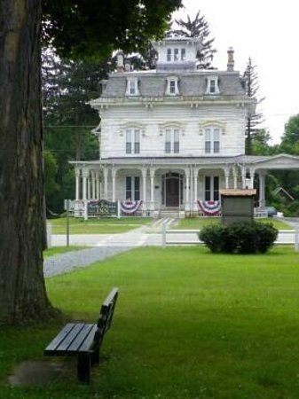 Marble Mansion Inn: The Mansion