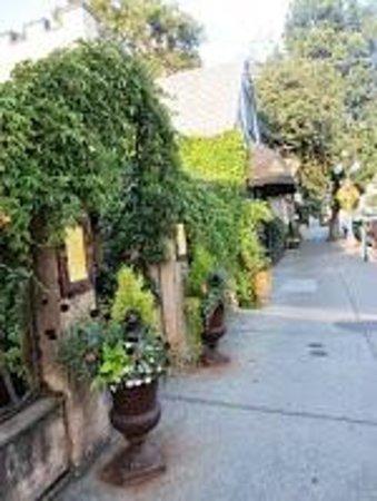 Cafe Brio: Front entrance