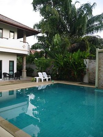 Babylon Pool Villas: pool