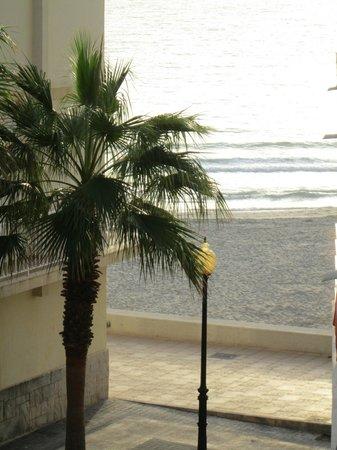 Universal Hotel Perla: Vista da varanda