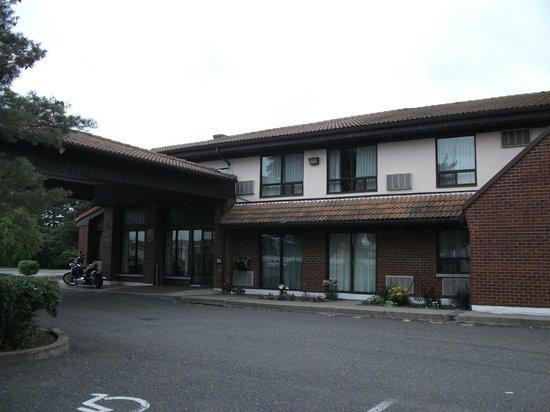 Comfort Inn Drummondville: extérieur de l'hôtel