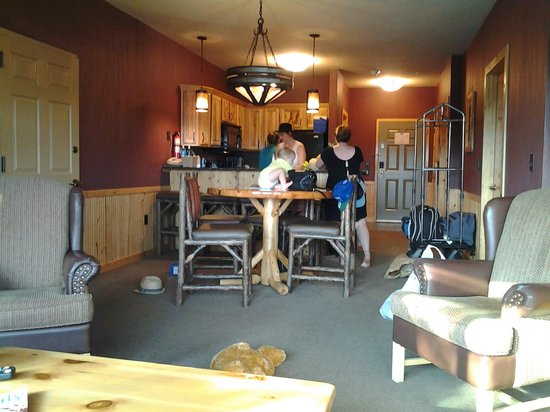 Glacier Canyon Lodge: from the couch looking toward the kitchen