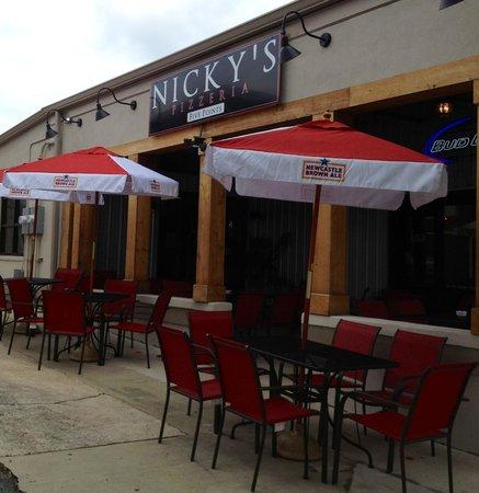 Nicky's Pizzeria: getlstd_property_photo