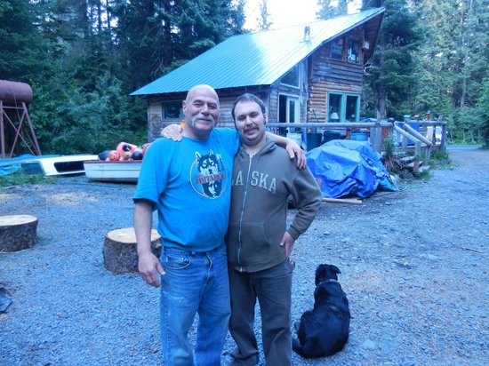 ‪‪Allens Alaska Adventures‬: Joe Allen and son, TJ - wonderful hosts!‬