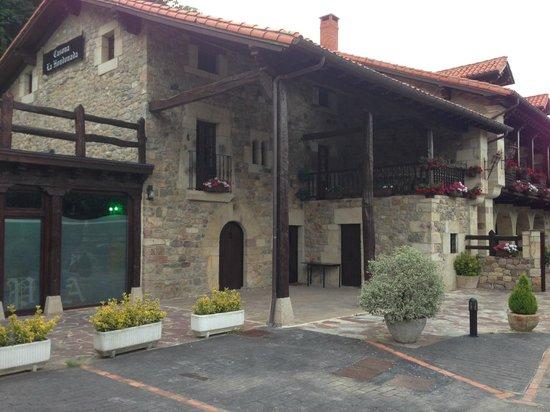 Hotel Casona La Hondonada: Fachada del hotel