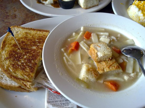 Perkins Restaurant & Bakery: Chicken noodle soup and Tuna sandwich