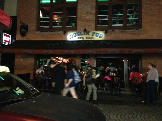 Stodolni Street : One of the noisiest pubs in the street - dancing on both floors and outside the pub