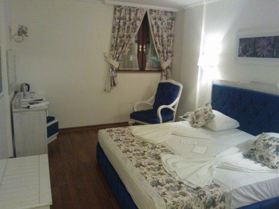 Tutav Adalya Hotel: Room