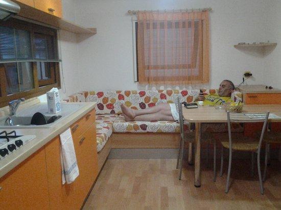 Le Esperidi Village: cucina villino comfort