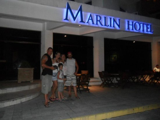 Marlin Hotel : na frente do Hotel