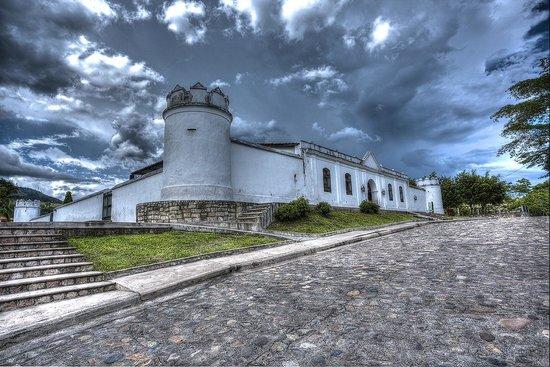 Les Ruines de Copan : El Cuartel, Copan RUinas