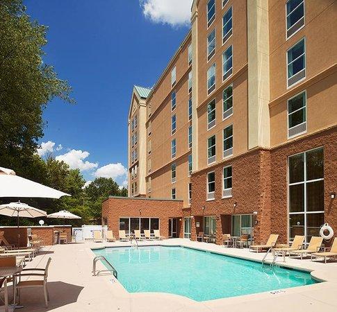 Hampton Inn and Suites Charlotte - Arrowood Rd.: Outdoor Pool