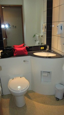 Premier Inn London Kings Cross Hotel: il bagno