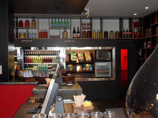 Bar/Snak Bar Area