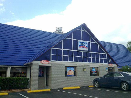 IHOP: outside