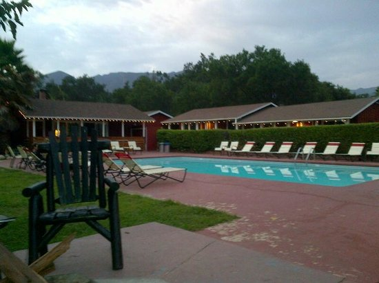 Ojai Rancho Inn: pool area