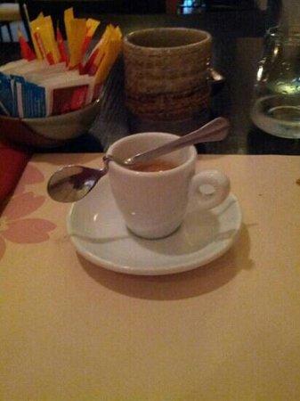Hanami : caffè e tazza di the