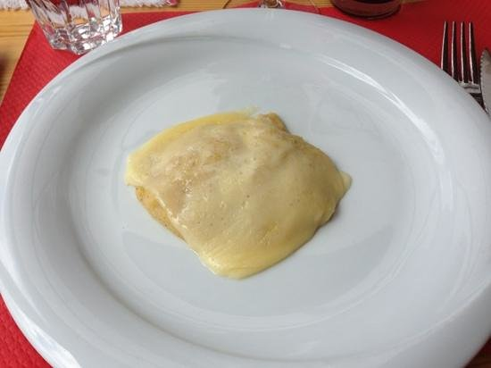 Rifugio Fredarola : polenta con formaggio fuso