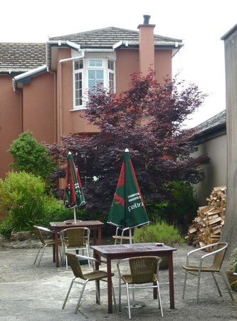 Old Kings Arms Hotel : Beer Garden and view of my room