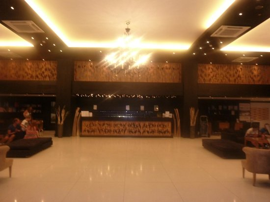 Mitsis Faliraki Beach Hotel & Spa: Reception