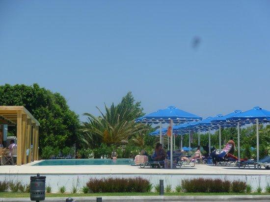 Mitsis Faliraki Beach Hotel & Spa: quiet pool