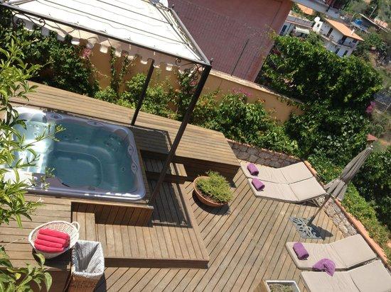 Hotel Villa Ducale: jacuzzi all'aperto