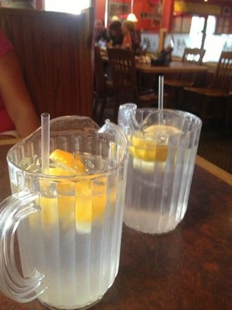 Red Hot & Blue Arlington: cool drinks ideas