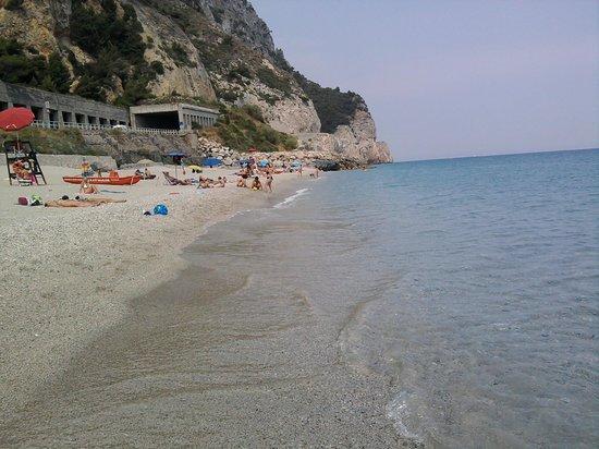 Varigotti, Italy: un mercoledì alla Baia...