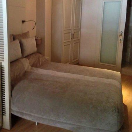 Lokum Ev Suites: King Size Orthopedic Bed
