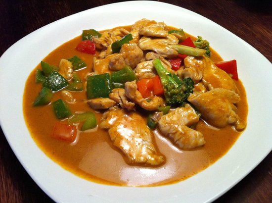 Mamatsu Fresh Asian Kitchen: Masaman Curry with no potatoes