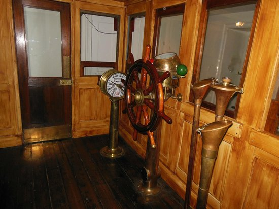 Ships of the Sea Maritime Museum: Replica of a ships wheelhouse
