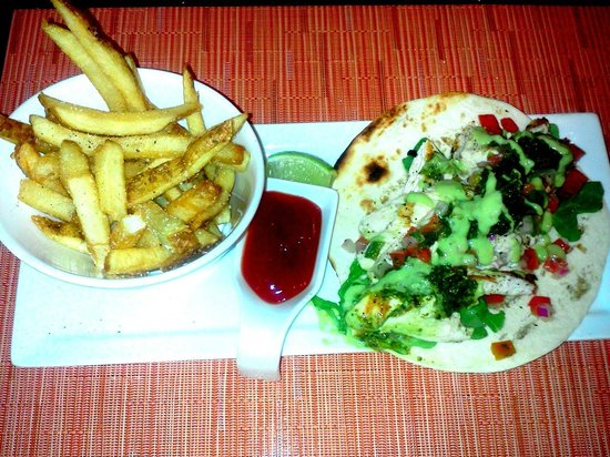 Solo American Bistro : Chicken tortilla lunch special - $7