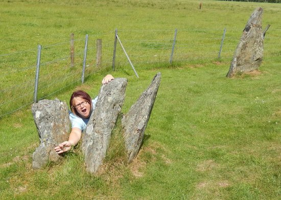 Corrimony Chambered Cairn: Being silly pretending to be Claire Fraser