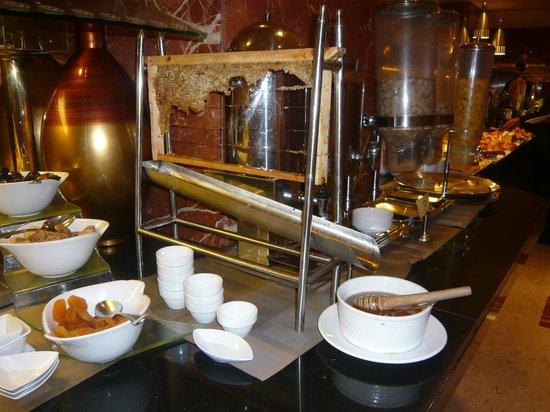 Safir Hotel Cairo: colazione