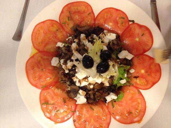 Can Formiga: Salat med svamper! Smager skønt?