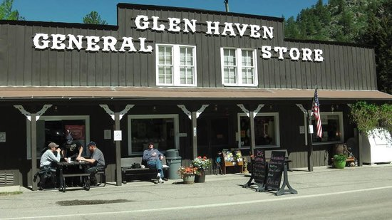 Glen Haven General Store: The store front