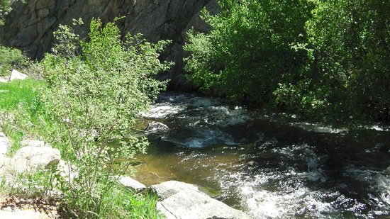 Glen Haven General Store: Views along the Big Thompson River North Fork 2