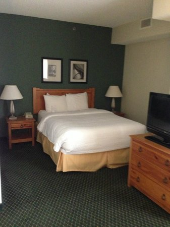 Residence Inn Dallas DFW Airport North/Irving: Studio bed area