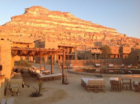 Taziry Ecolodge Siwa: Good morning! we fell asleep under the stars by the pool.