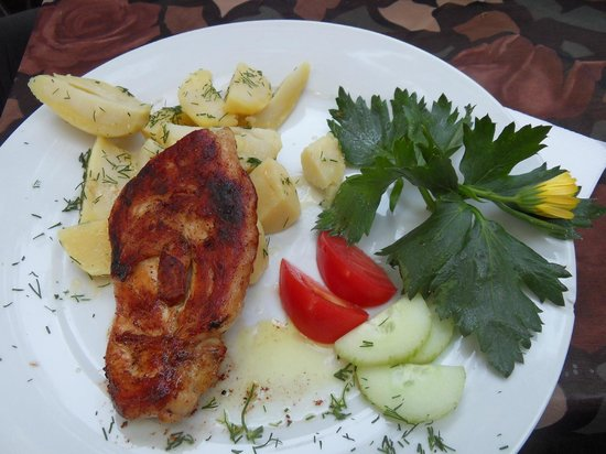 Kupol : tastiest chicken with potatoes. And decoration - celery tops with a yellow flower...