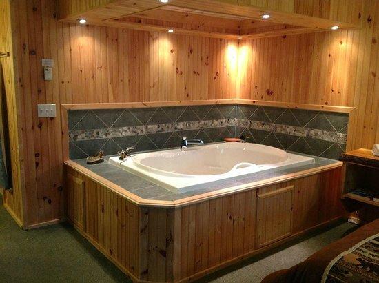 Vacationland Inn : Hot Tub