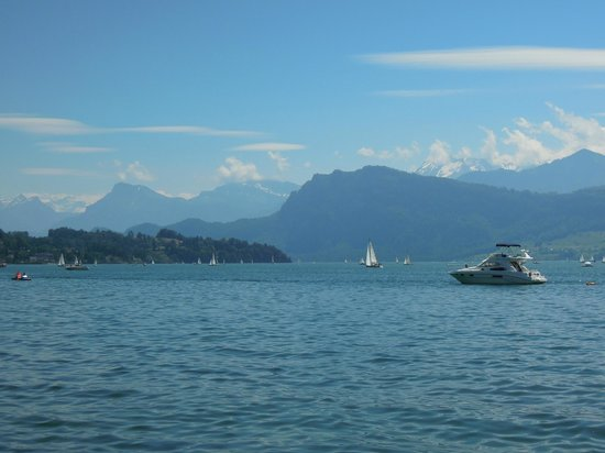 Hotel Hofgarten: Lake Lucerne