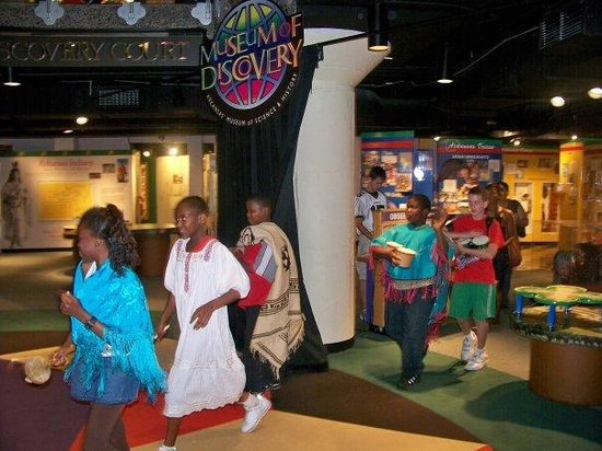 Museum Of Discovery: Children enjoy an educational program on Mexican culture
