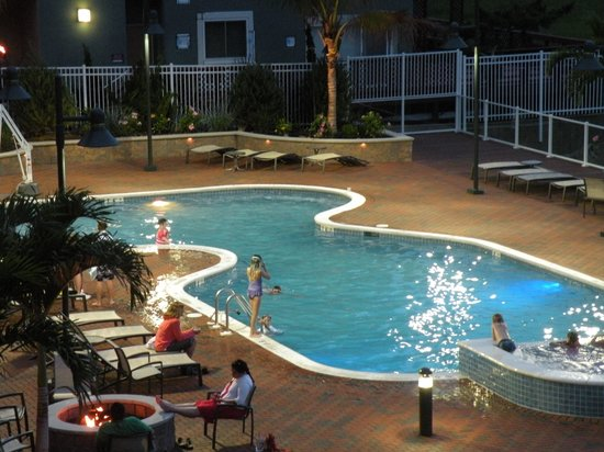 Hampton Inn & Suites Ocean City: Pool view.