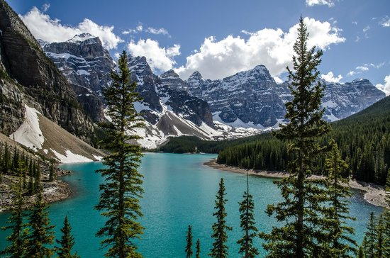 Moraine Lake Lodge: View from the Rockpile Trail