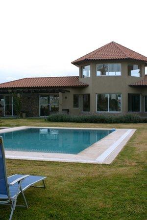 Villa Mansa Wine Hotel & Spa: ahi se vé el mirado y zona de lectura del hotel